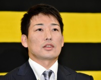 【阪神】岩崎、500万増の年俸5000万円で契約更改 来季は先発も視野「Vが目標」