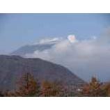 『浅間山には雪が少し積もりました』の画像