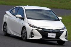 5月の新車乗用車ランキングが発表されたぞ!なんでプリウスが人気あんだよ