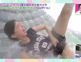 【画像あり】熊井ちゃん大股開きでビチョビチョに濡れてるとこを自撮り