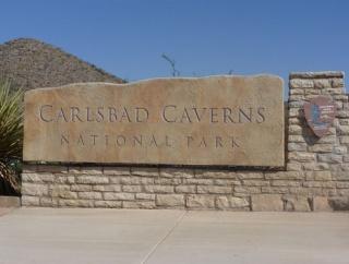 「地獄への道」と呼ばれるアメリカの洞窟の入り口