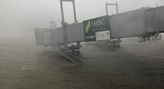 【悲報】関西空港、水没して完全に機能停止wwwwwww
