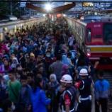 『【速報】知事ブチギレ!!外出自粛に従えないなら駅を閉鎖します!!』の画像