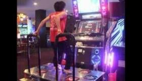 【DDR】 日本人の凄まじい足技に海外が驚愕
