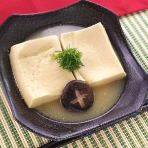 魚の旨味を残らず!カンポチあら出汁 高湯豆腐の含め煮
