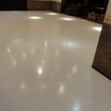 『店内の床のリフォームが完成』の画像