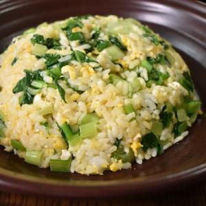 味付け簡単♪小松菜たっぷり炒飯