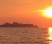 実写「進撃の巨人」の聖地、軍艦島(端島炭鉱)、世界文化遺産登録決定へ