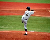 【高校野球】野茂英雄そっくりの球児 トルネード投法に球場どよめく