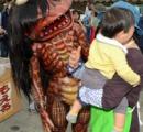 町おこしイベントで「かっぱカレー」販売。PRキャラクターが怖すぎて泣き出す子供続出