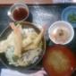 【おもてなし処 わたや】エビと野菜の天丼 / 980円