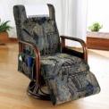 背もたれが3段階にリクライニングする籐の回転座椅子…