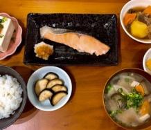 『段原瑠々ちゃんとうとう焼き鮭定食まで作ってしまう』の画像