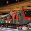 マニラ南北通勤鉄道第1編成 J-TREC搬出陸送@本牧JCT下