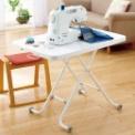 ◆テーブルの昇降は使いやすいハンドル式。