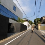 『【画像】これが東京の高級住宅街の光景…』の画像
