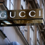 『【ケリング株】Gucciのファッションがクレヨンしんちゃんに追いついた模様www』の画像