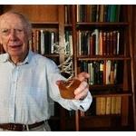 【画像】落札額4億円か? DNA構造発見のワトソン博士が「ノーベル賞メダル」を競売に