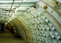 ドイツ軍空爆の対策で掘り、戦後は核戦争に備えたロンドンの地下シェルターの入り口には表札がない!