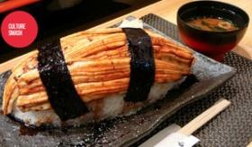 【食】  日本に 巨大料理の 寿司が 存在するらしいぞ!   海外の反応