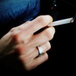 喫煙者「タバコうまい!」スパー 俺「吸うだけで寿命縮んでるけどいいの?w」