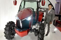 ヤンマーがスポーティなトラクターを開発