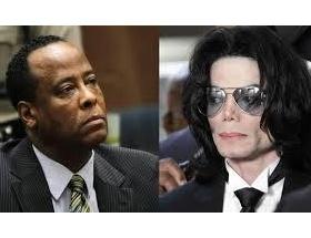 マイケル・ジャクソン元専属医「僕は毎晩、マイケルのペ○スを手にしていた」