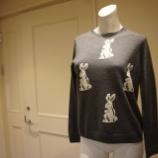 『DUAL VIEW(デュアルヴュー)ラビットモチーフセーター』の画像