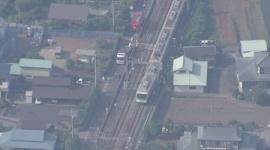 【速報】小田急線、踏切で車と衝突して脱線