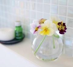 洗いにくい花瓶のお手入れには《無印良品》の意外なアイテムがぴったり!