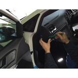『当社チーフメカニックによるクイックホーンモジュール(Golf7系)の装着作業(専用ハーネス使用)参考用』の画像