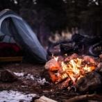 ワイ、ゆるキャンに憧れて1人キャンプをするも帰宅