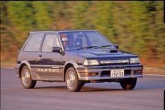 成功と失敗は紙一重! FRからFFになり人気の命運を分けた80年代の国産車