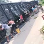 【動画】中国、石炭輸送列車が停車した途端に一斉に石炭クズを盗む人たちがこちら!