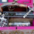 【画像】 19世紀のヴァンパイア・ハンターの装備がオークションに出品される