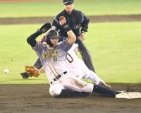 【阪神】近大コンビで1点返す 四球で出塁の佐藤輝を糸井がかえす