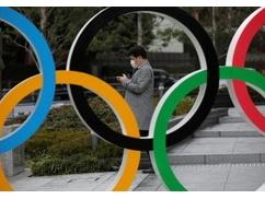 【東京五輪】ウンコ臭い東京湾で泳いだトライアスロン選手が次々と病院に搬送される異常事態!!!!原因がヤバい・・・