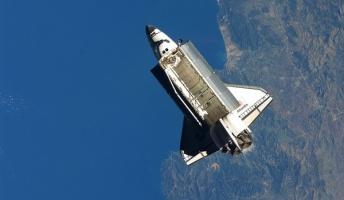 宇宙空間に生身で飛び出したらどうなるのか?その答えとは