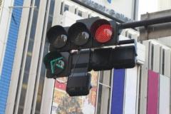 速度守れば信号「青」に 渋滞解消へ官民実験