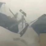 【動画】中国、暴風でビルの屋上の屋根がすっ飛ばされる瞬間!道路に落下する瞬間! [海外]