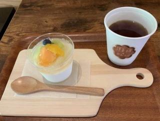 中能登町れんげやの森として移転新築オープン「カフェ食堂 れんげや」でスイーツとジュースでいっぷく