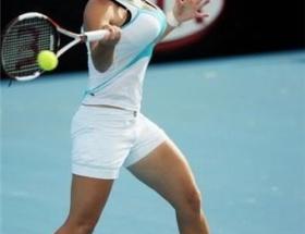 勝つために手術でHカップの乳房を小さくしたテニス女子www