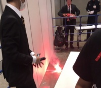 【欅坂46】握手会の平手友梨奈レーンで発煙筒が焚かれる!AKB48の悲劇が再び。