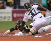 【阪神】原口 激走!リクエストで判定覆る!梅野の適時二塁打などで二回に追いつく!!