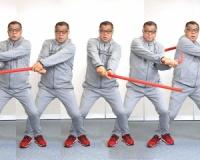 掛布雅之氏「素振り」の極意を球児に伝授…チューブ使いレベルスイング体で覚える プロに学ぶ技術