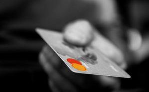カードの支払い滞納の現状を嘆く
