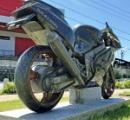 【走り出しそうなほどリアル】バイク事故で急逝した息子へ 母が贈った「石のバイク」カワサキZXR