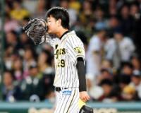 阪神のドラ2高橋遙、2被弾含む9安打6失点で降板。