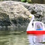 水面を走る「スワンボート」ガチャ第2弾登場!「EXCEED MODEL スワンボート part2」
