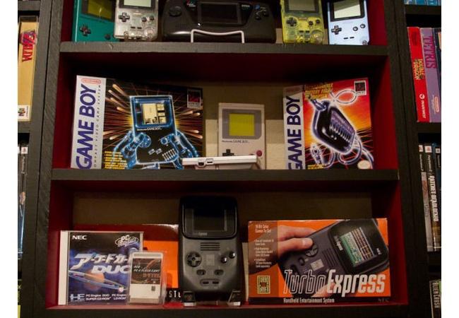 ゲーマーが苦言「DL版買う人って棚にパッケージ並べたくないの?」
